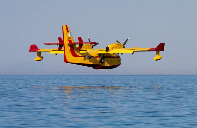 Canadair/Bombardier CL-415 Water Bomber