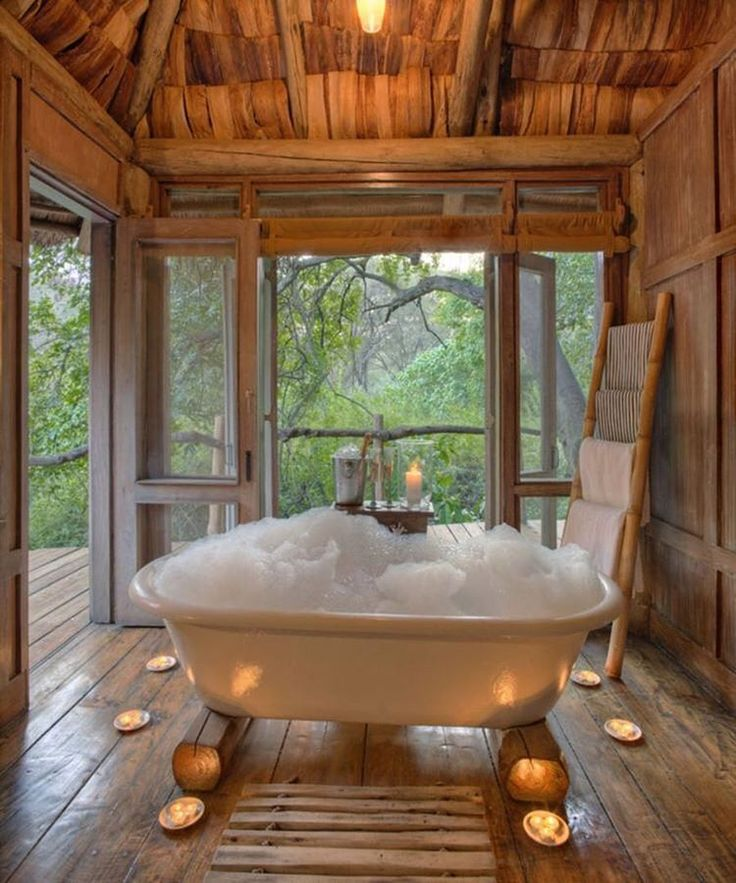 Luxurious Home Decor Ideas That Will Transform Your Living: Tree Houses & Living Structures