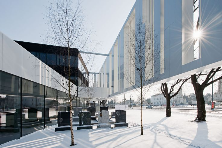 Bestattung Wien, Simmeringer Hauptstr. 339, Vienna, Austria - Design by Delugan Meissl Associated Architects, Vienna, Austria / ALUCOBOND® Light Grey Shine & Anodized Look C34