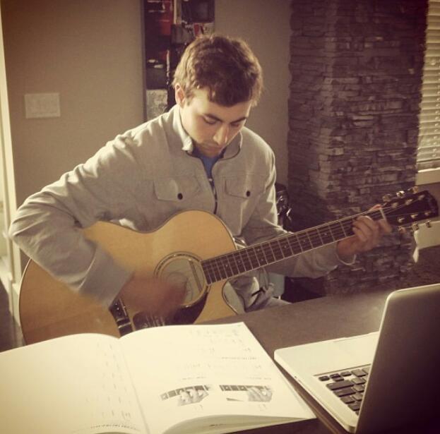 Jordan Eberle-whatttt??? Since when does Eberle play guitar??