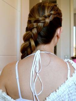 Tranças nos cabelos: tutoriais passo a passo para você http://www.dicasdemulher.com.br/trancas-nos-cabelos/