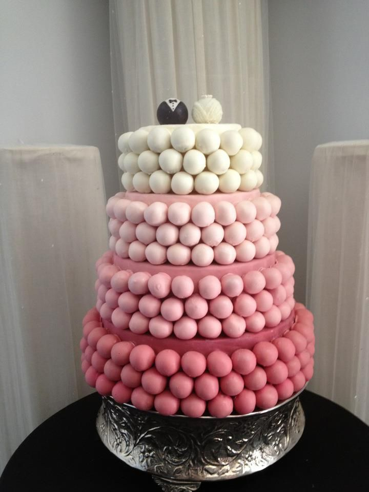 Cake Ball Wedding I Love The Little Bride And Groom Balls At