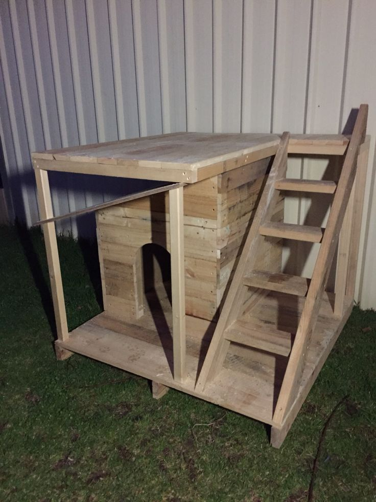 how to build a dog kennel out of pallets