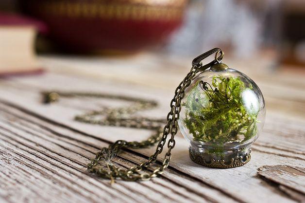 Naszyjnik z mchem w szklanej kuli - SoRepublic - Naszyjniki szklane