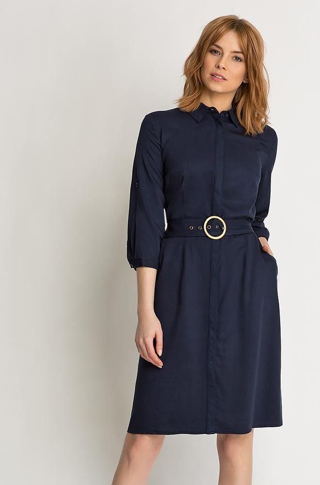 Kleid mit Gürtel und Details