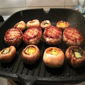 Gazebo Room Mushroom Pizza Bites are a healthy appetizer recipe that's an easy crowd-pleaser. Put those leftover veggies or pizza ingredients to good use!
