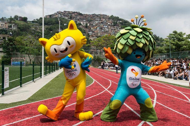 Les deux mascottes, présentées le 24 novembre 2014 à Rio de Janeiro, n'ont pas encore de noms, c'est au public de choisir.