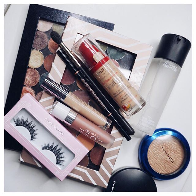 """A little makeup stash by ✨@beautybyela✨, a few of her 2015 favs! We spot our #IconicLashes in the mix as well Repost:Productlist:@makeupgeekcosmetics Eyeshadows!!@bourjois_uk Healthy Mix Foundation@doseofcolors Lipstick """"Truffle""""@anastasiabeverlyhills Browwiz @urbandecaycosmetics Naked Skin Concealer @houseoflashes """"Iconic"""" @maccosmetics Bronzer in """"give me sun"""", Fix + , 224 brush and """"oh darling"""" highlighter!"""