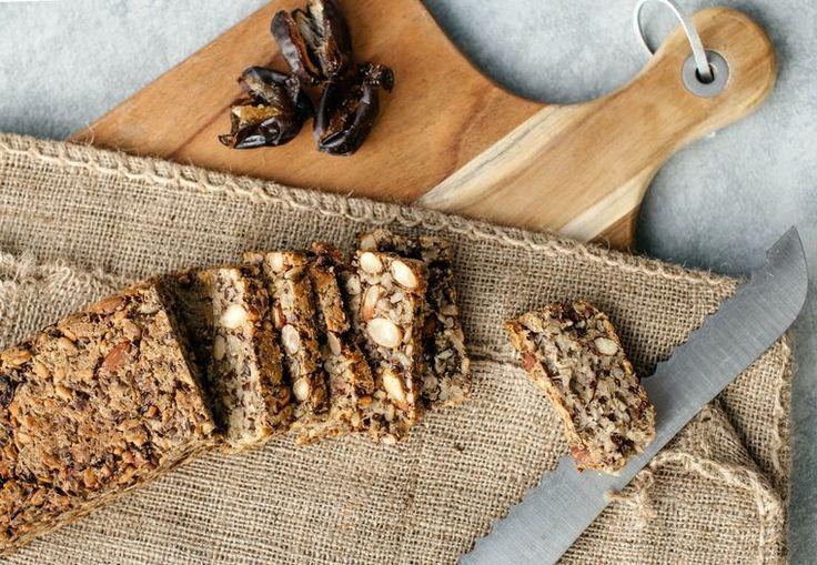 Glutenfritt brød med frø og nøtter   Tara.no