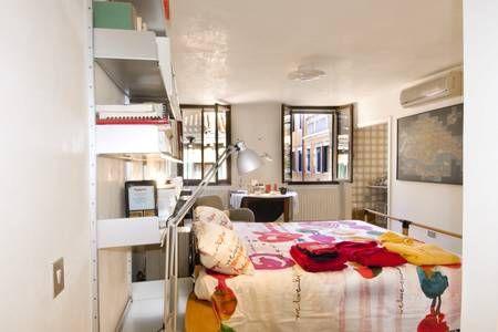 Dai un'occhiata a questo fantastico annuncio su Airbnb: A 50 passi da Piazza San Marco - Appartamenti in affitto a Venezia