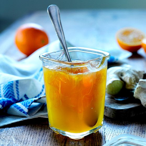 Appelsinmarmelade med ingefær. Very simple recipe for making orange marmalade with ginger. Let me know if you would like a translation.