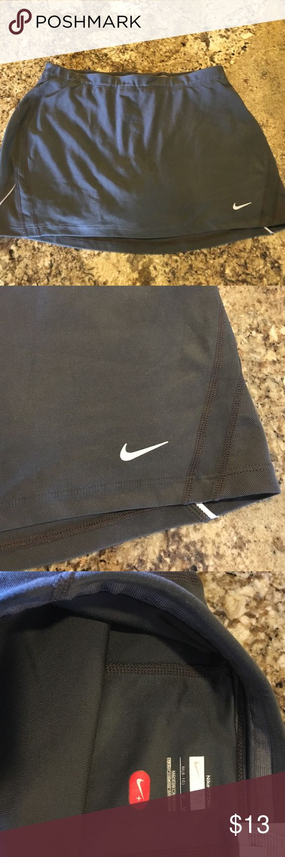 Nike Tennis Skirt with shorts Great condition and very comfortable. Great for Tennis/golf/workout Nike Skirts