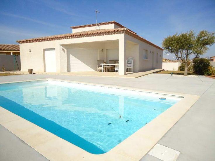 Sauvian belles prestations pour cette grande villa de 180 m² avec sèjour-cuisine équipée de 75 m², 4 Chambres dont une suite parentale, Garage de 25 m², Terrain clos de 750 m² avec piscine. A voir Chez cap sud immo : 04-67-32-97-01
