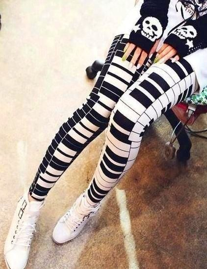 Piano key leggings. Wow those are some crazy leggings!