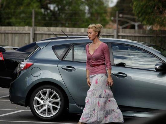 Nina Proudman Offspring fashion Love the way she dresses