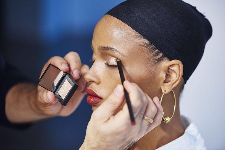 Aya Jones NARS - Nude and flawless makeup for brown skin girls, maquillage nude pour peaux métissées #lipstick #lipstickjungle #lipstick #makeup #blackskinbeauty #redlipstick #pinklipstick #maquillagepeauxnoiresetmetissees #metisse #peaunoire #peauebene #darkskinbeauty #rougesalevres #rouge #teint #flawlessskin #makeup #models #cateye #smokeyeye #glowyskin