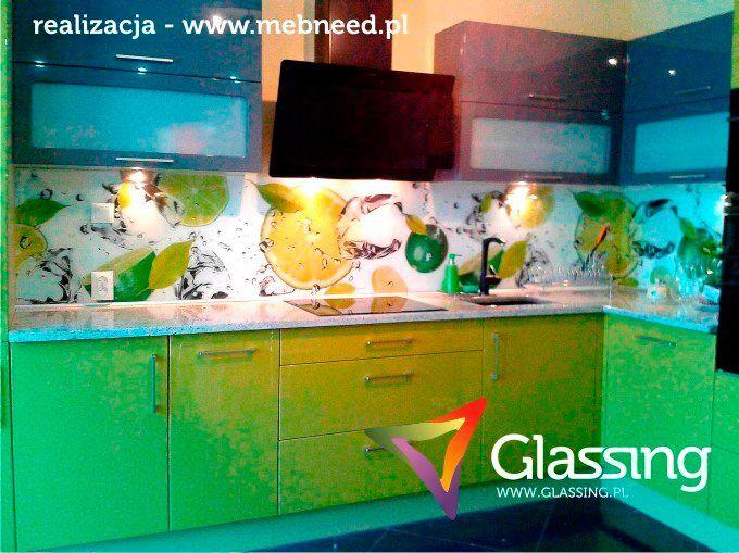 Glassing - panele szklane w kuchni.