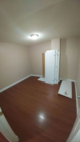 Beautiful 2 bedroom basement with under stairs storage. Located in a new and quiet area. 5 mins drive to Mount Pleasant Go Station, close to 410 and one transit to Sheridan College Includes: – Kitchen with white appliances – Two Bedroom – Living/ Dining combine – Laminate...