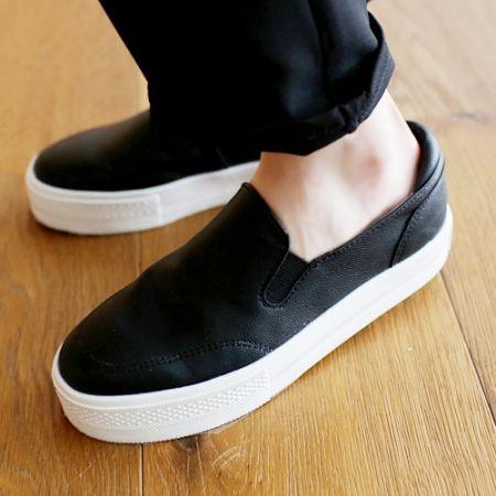 Womens Clothing Store [VANILLAMINT] Bogus Slip-on Shoes / Size : 230~250 mm / Price : 30.37 USD #shoes #slipon #sneakers #korea #fashion #style #fashionshop #apperal #koreashop #ootd #vanillamint