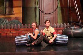 """Eventi News 24: Teatro Sociale """"G. Busca"""" di Alba - Che vicini terribili! Circo, risate e poesia in KOLÒK- I TERRIBILI VICINI DI CASA domenica 12 gennaio 2014 alle 16.30 #alba http://www.eventinews24.com/2013/12/teatro-sociale-g-busca-di-alba-che.html#.UrcmALQljR0"""