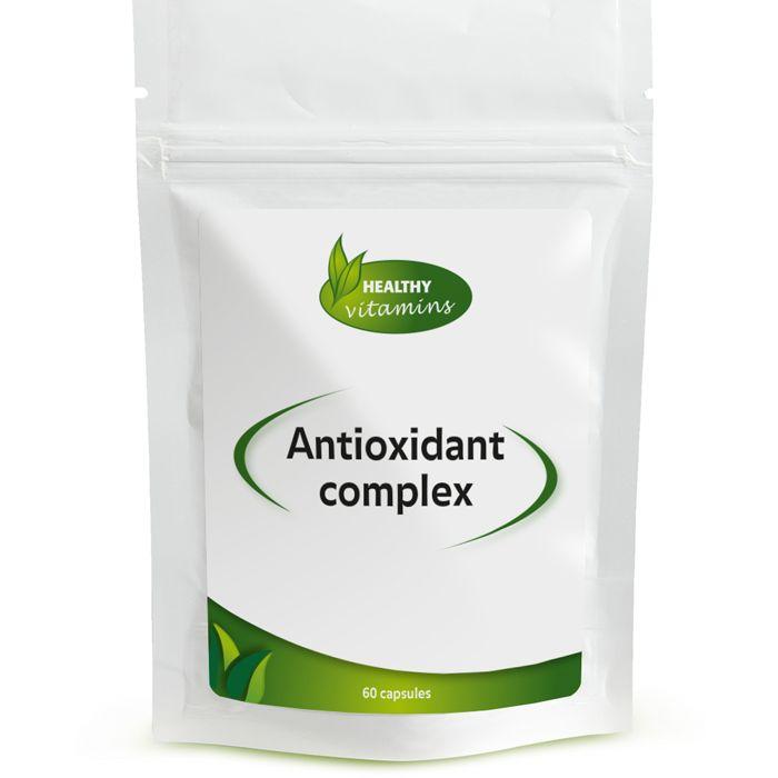 Antioxidant Complex is een speciale formule die is samengesteld met 5 verschillende antioxidanten. Wij hebben bij deze antioxidantpillen de nadruk gelegd op de doorbloeding van het hart en de bloedvaten. Een goede bloedcirculatie is belangrijk om het gehele lichaam in conditie te houden. Granaatappel-extract, Druivenpit-extract, Pijnboom-extract, Resveratrol en Ginkgo biloba hebben de taak om u te ondersteunen bij het smeren van uw bloedvaten in dit Antioxidanten supplement.