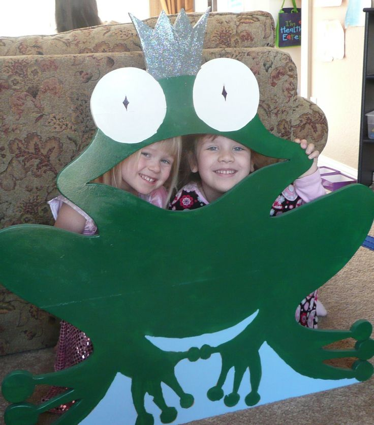 Frog made for a princess party bean bag toss.... Make the frog out of cardboard/posterboard, or get crazy and cut out of wood..... then either buy bean bags or make pink, lip-shaped bean bags out of felt..... so cute!