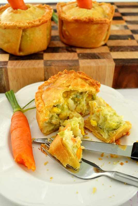 If I had ANY type of energy today, I would be making these for dinner tonight. I LOVE pot pies. Yummmmy.