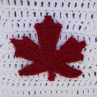 1000+ ideas about Canadian Maple Leaf on Pinterest Adult Coloring, Flags an...