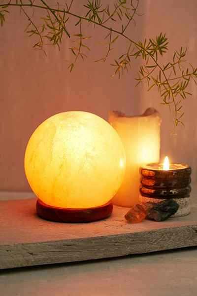 Globe Salt Rock Lamp - Urban Outfitters c o v e t Pinterest Salt rock lamp, Rock lamp and ...