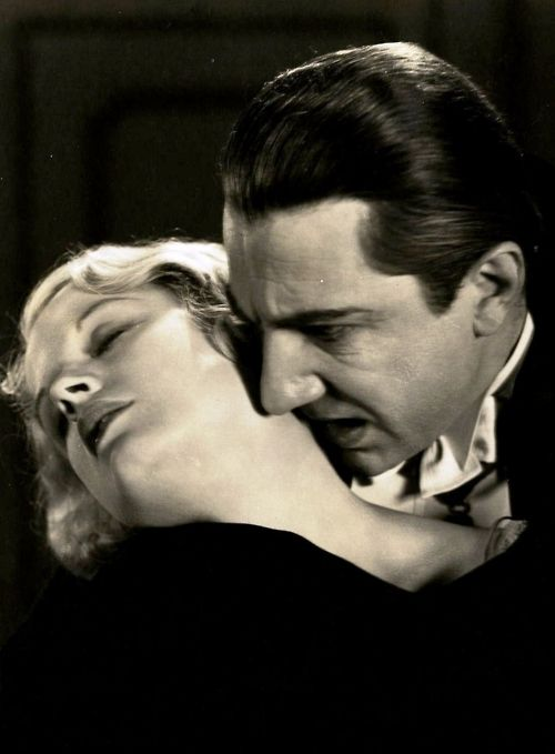 Bela Lugosi and Helen Chandler in Dracula (1931, dir. Tod Browning)