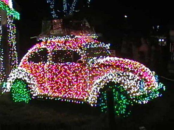 18 best christmas car decorations images on pinterest christmas car christmas car decorations. Black Bedroom Furniture Sets. Home Design Ideas