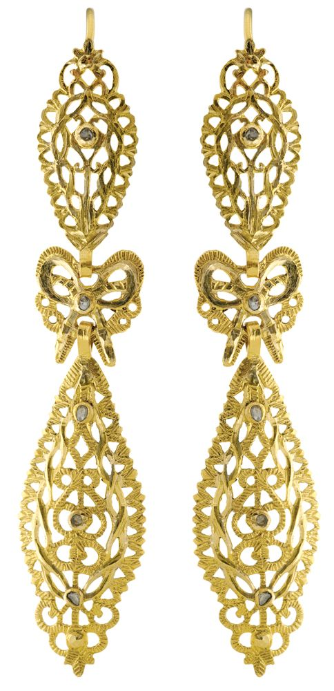 Eleuterio Jewels | Hand Engraved Earrings in Yellow Gold and Rose Cut Diamonds