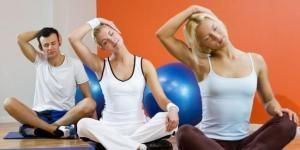 Exercices d'échauffement avant une séance de Pilates