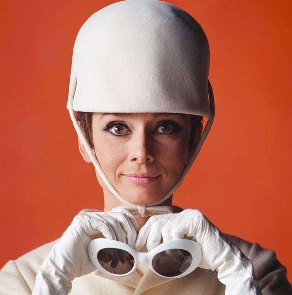"Audrey Hepburn in ""How to steal a Million,"" 1965 #glasses #taschen #opticametaxas"