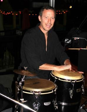 Todd Boyd & Batuque Brasil Drum Squad is a group of musician percussionists who play samba and other Latin styles. They perform at parties, weddings, clubs and more.