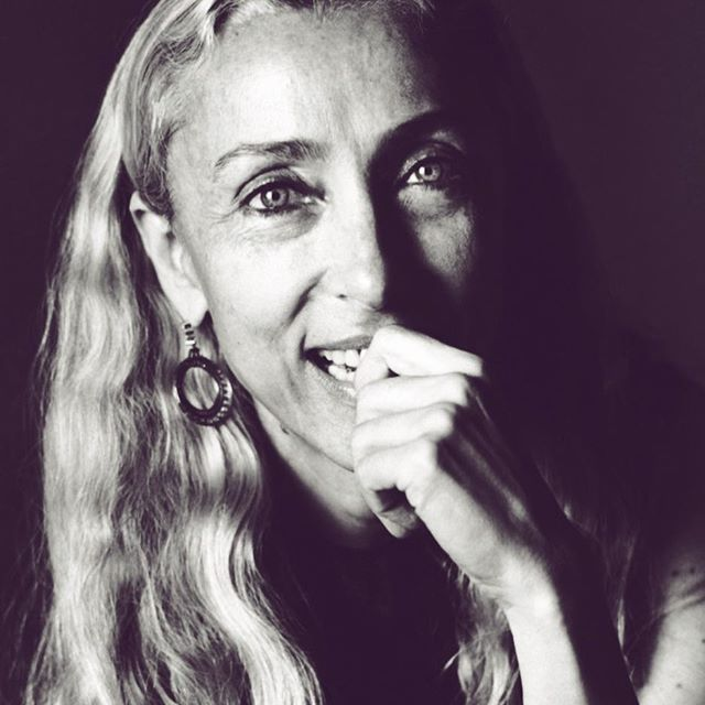 What a loss... What a woman... I had the honor of working w Franca when I was at Craig McDean's studio. I would send her faxes and boxes with prints and contact sheets. It reminds me how times have changed and how revered, kind and masterful she always remained. RIP beautiful woman #francasozzani #shopping #glam #fashion