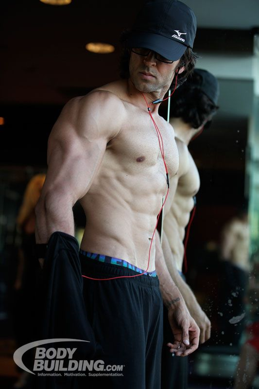 Bodybuilding.com - Hrithik Roshan Workout: Kris Gethin Transforms Bollywood Star
