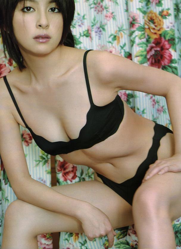 chong2-ho1:  Megumi Okina :奥菜恵