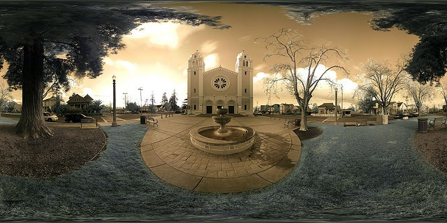 Equirectangular photography - It's a Religious World by Josh Sommers, via Flickr