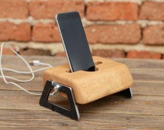best 25 wood docking station diy ideas on pinterest. Black Bedroom Furniture Sets. Home Design Ideas