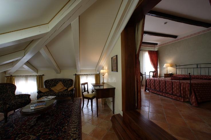One of the Suites of Relais Villa Fiorita in Monastier di Treviso, italy - www.villafiorita.it
