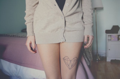 diamond heart thigh tattoo