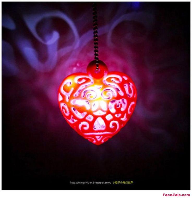 Bạn đang có tư tưởng về ngày Valentine, nhưng mãi đắn đo chưa biết tặng món quà kèm theo thông điệp tỏ tình hay cho Chàng/Nàng? Bạn thật đáng thương bởi vì ngày lễ Tình nhân 14/2 đang cận kề như hơi thở! Chưa muộn đâu, Facezalo.com sẽ giới thiệu tới các bạn một cách …
