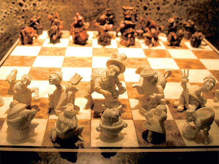Это цитата сообщения markash Оригинальное сообщениеШахматная красота Анатолий Карпов, помимо прочего, является учредителем компании, которая создает шахмат