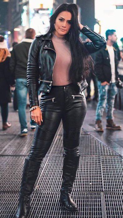 Leather pants street style 👄👄👄👄