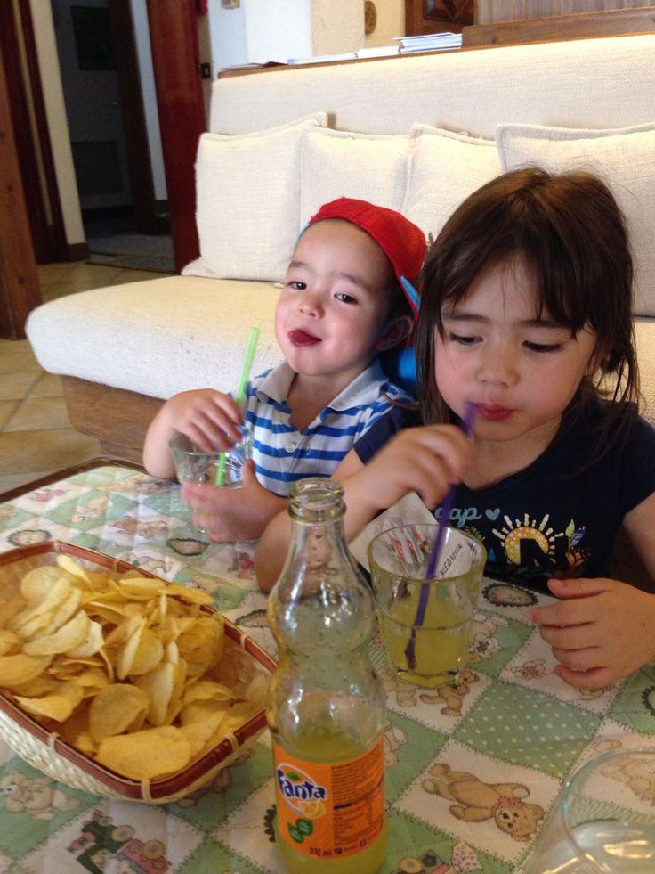 Giulia e Kenta al l'aperitivo