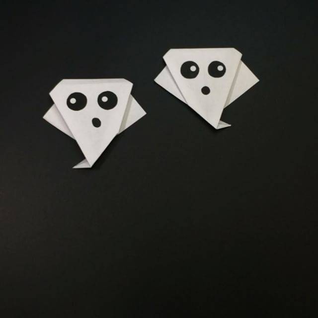 To see how we made these origami ghosts / stop motion