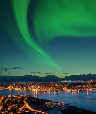 Best Places to See the Northern Lights #northernlights #travel #places #visit #bucketlist