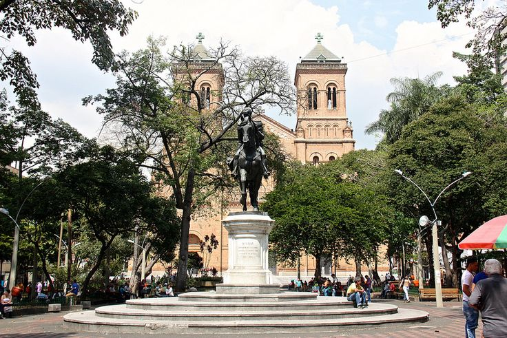 Parque de Bolivar and Catedral Metropolitana, Medellin, Colombia | by susiefleckney