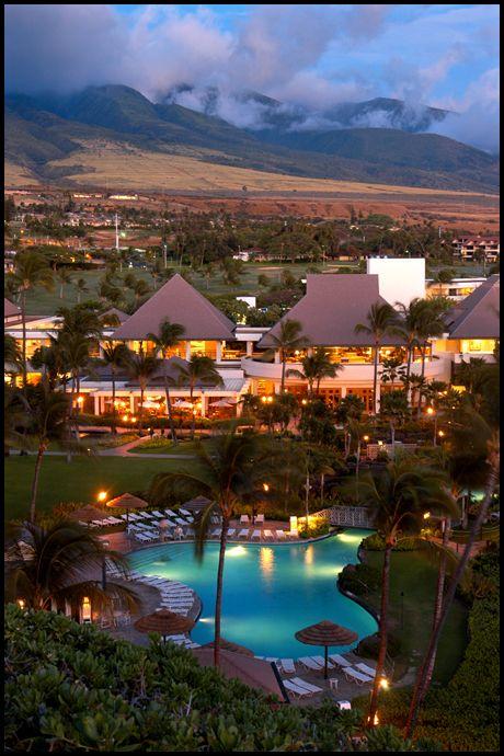 Sheraton Maui Resort on Maui.  Beautiful resort on the beach.   ASPEN CREEK TRAVEL - karen@aspencreektravel.com